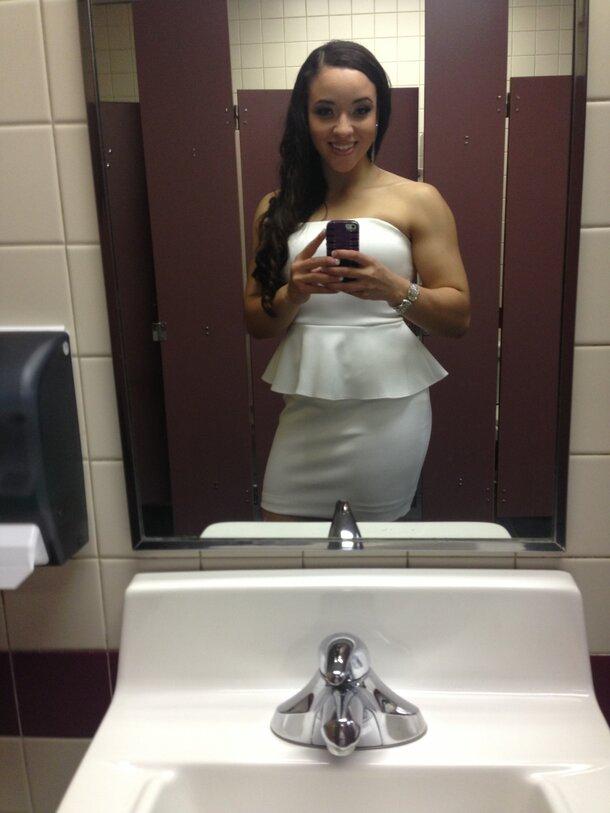 Bathroom Selfie: Miniard94 Bathroom Selfie ;